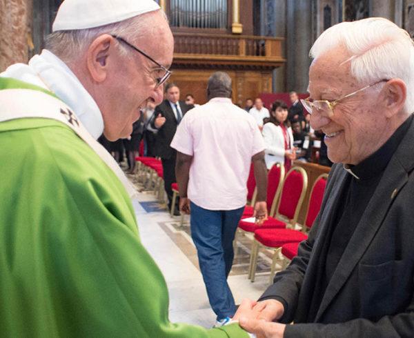 mensajeros-Papa-Francisco-Padre-Angel-Mensajeros-San-Anton